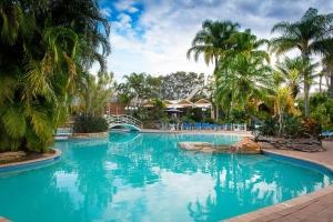 Boambee bay pool resort