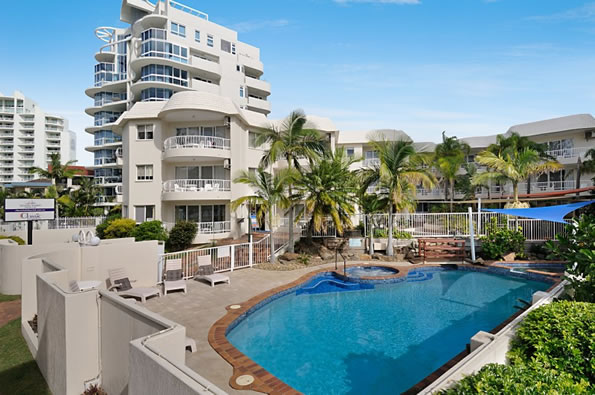 swimming pool resorts Gold Coast