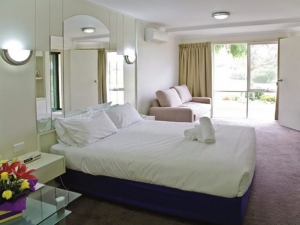 nepean country club accommodation